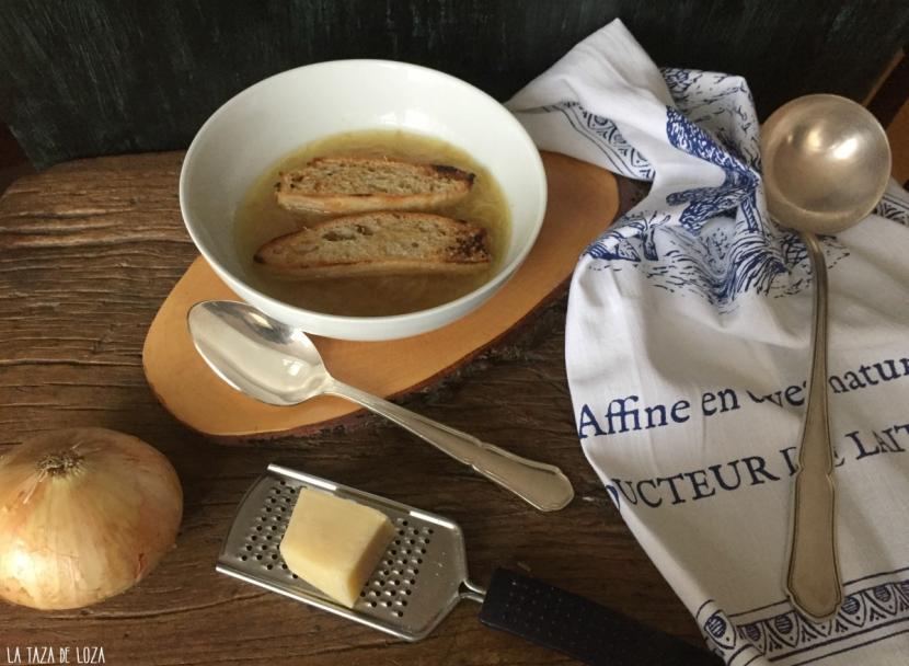 Sopa de cebolla tradicional receta francesa recetas for Entradas francesas faciles